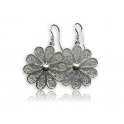 Handmade jewelry in silver filigree