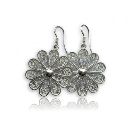 Handmade jewelry in silver filigree
